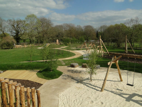 play-park-at-dinton-pastures